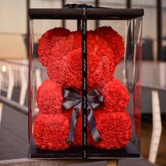 Мишка красный (игрушка из роз)