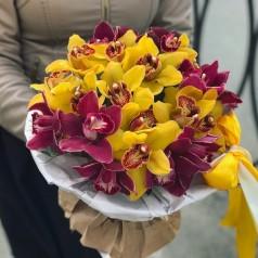 """Букет орхидеи """"Робкая нежность"""" 21 шт"""