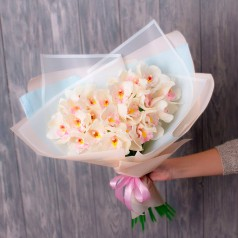 """Букет орхидеи цимбидиум """"Прекрасное впечатление"""" 15 шт"""
