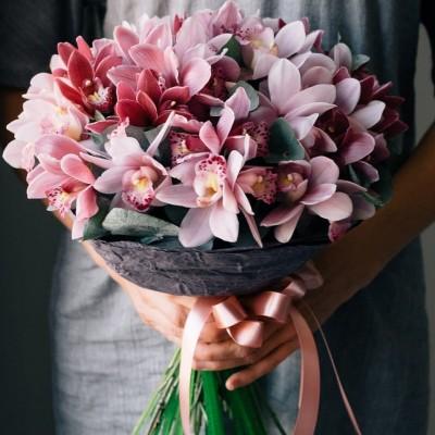 """Букет орхидей цимбидиум """"Благоухающая миледи"""""""