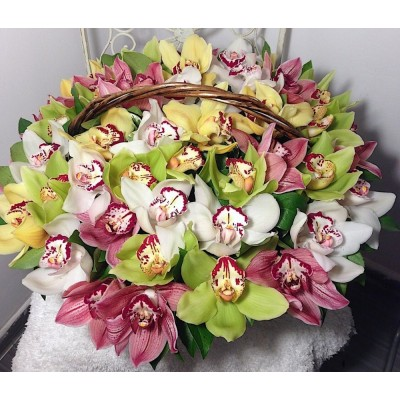 """Букет орхидей Цимбидиум """"Вечно красивая"""""""