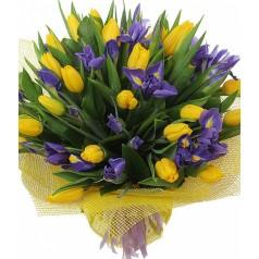 """Букет """"Дербенник"""" с тюльпанами и ирисами"""