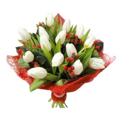 """Букет """"Полихрома"""" Тюльпаны белые 15 шт"""