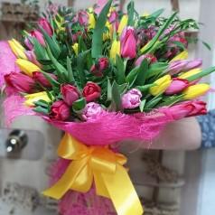 Букет тюльпанов Цветной