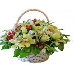 Корзина Милая - орхидеи, альстромерии, розы