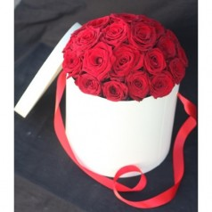 Белая коробка (25 роз)