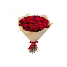 Букет красных роз крафт