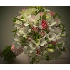 "Букет ""Мискантус"" - розы, фрезия"