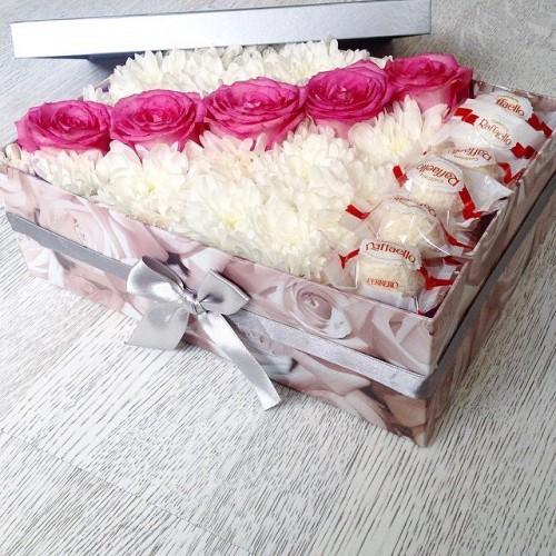 """Букет """"Конфетка"""" розы, альстромерии, рафаэлло"""