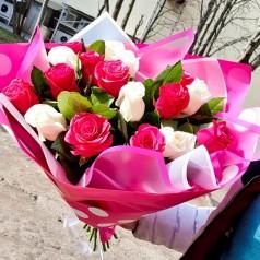 """Букет из 17 белых и розовых роз """"Доброе утро"""""""
