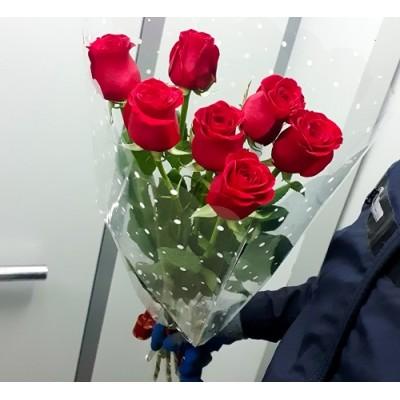 """Букет красных роз """"Семерка"""" 7 шт 60 см"""