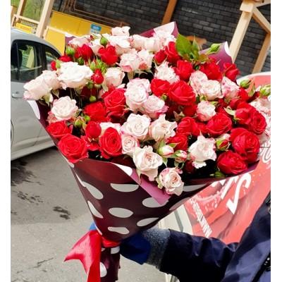 """Букет кустовых роз """"Бархат"""" 15 шт"""
