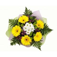 Букет Апрельское солнце хризантемы. герберы