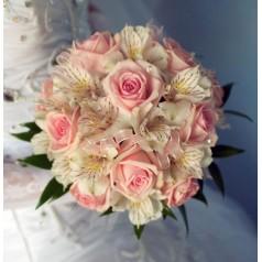 """Букет невесты """"Голубика"""" розы и альстромерии"""