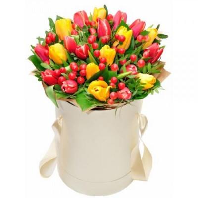 """""""Шляпная Вероника"""" Тюльпаны желтые и красные 25 шт"""