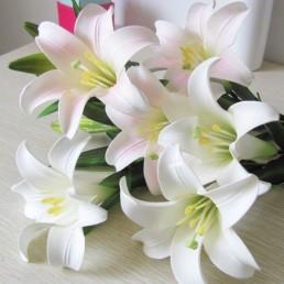 Лилия искусственная белая