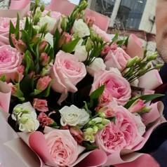 Букет Счастье розы и альстромерии