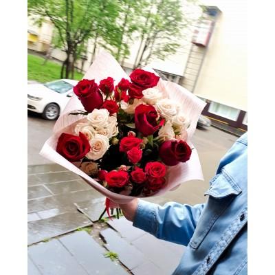 """Розы красные 9 шт """"Дождик"""""""
