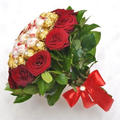Букет роз и конфет Воздушная Акварель