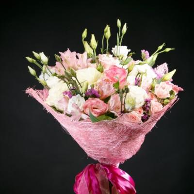 """Цветы """"Нежная"""" Эустома розовая и белая 15 шт"""