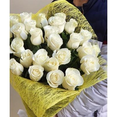 """Букет белых роз """"Теплая встреча"""" 29 шт"""