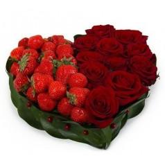 Клубника (11 роз)